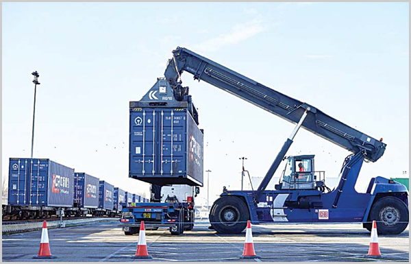 unloading-the-container-from-China